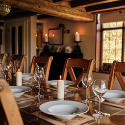 GreenFarm_Interior_DiningTable.jpg