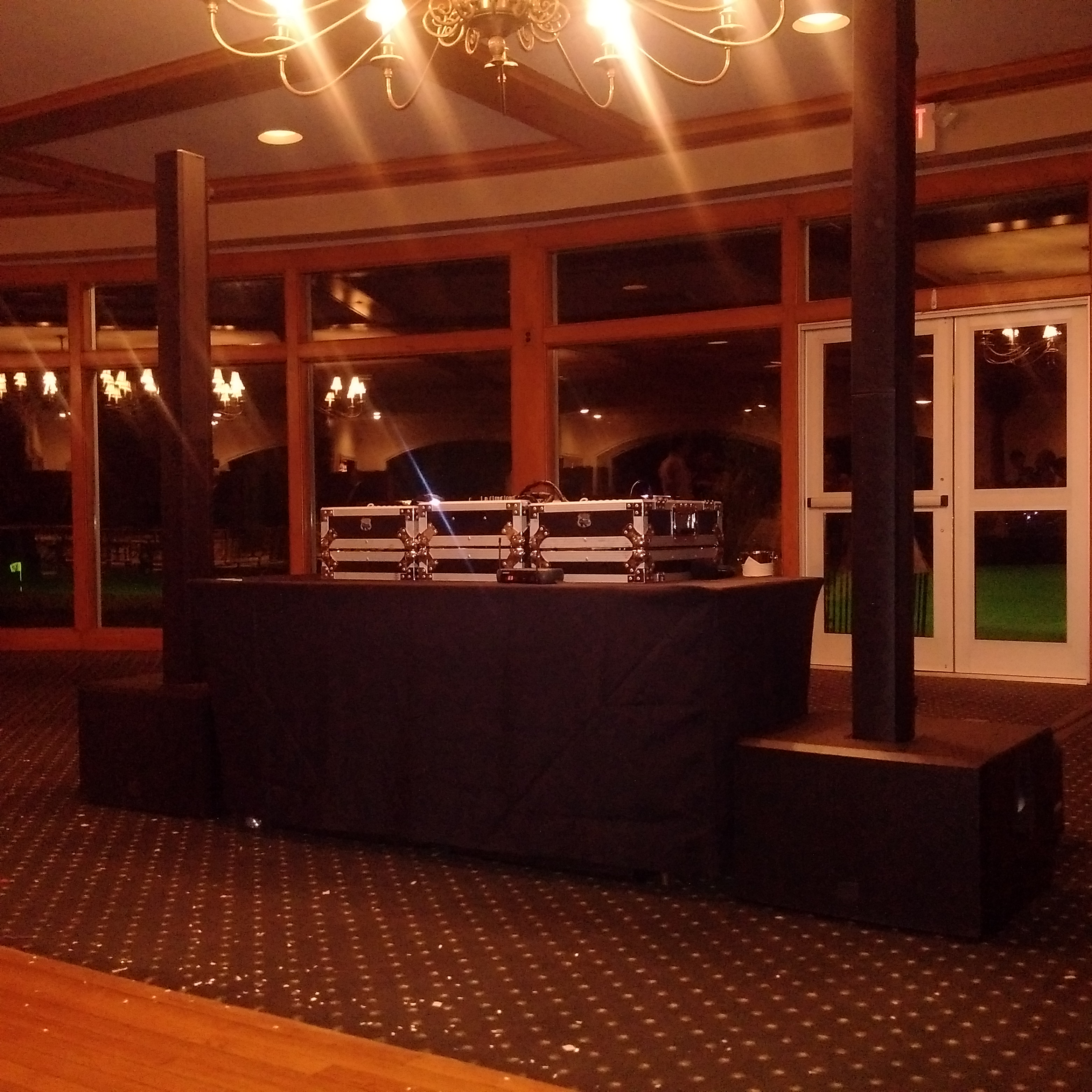 LD Systems MAUI44 speaker set up