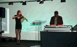 Eric Visa with live violinist