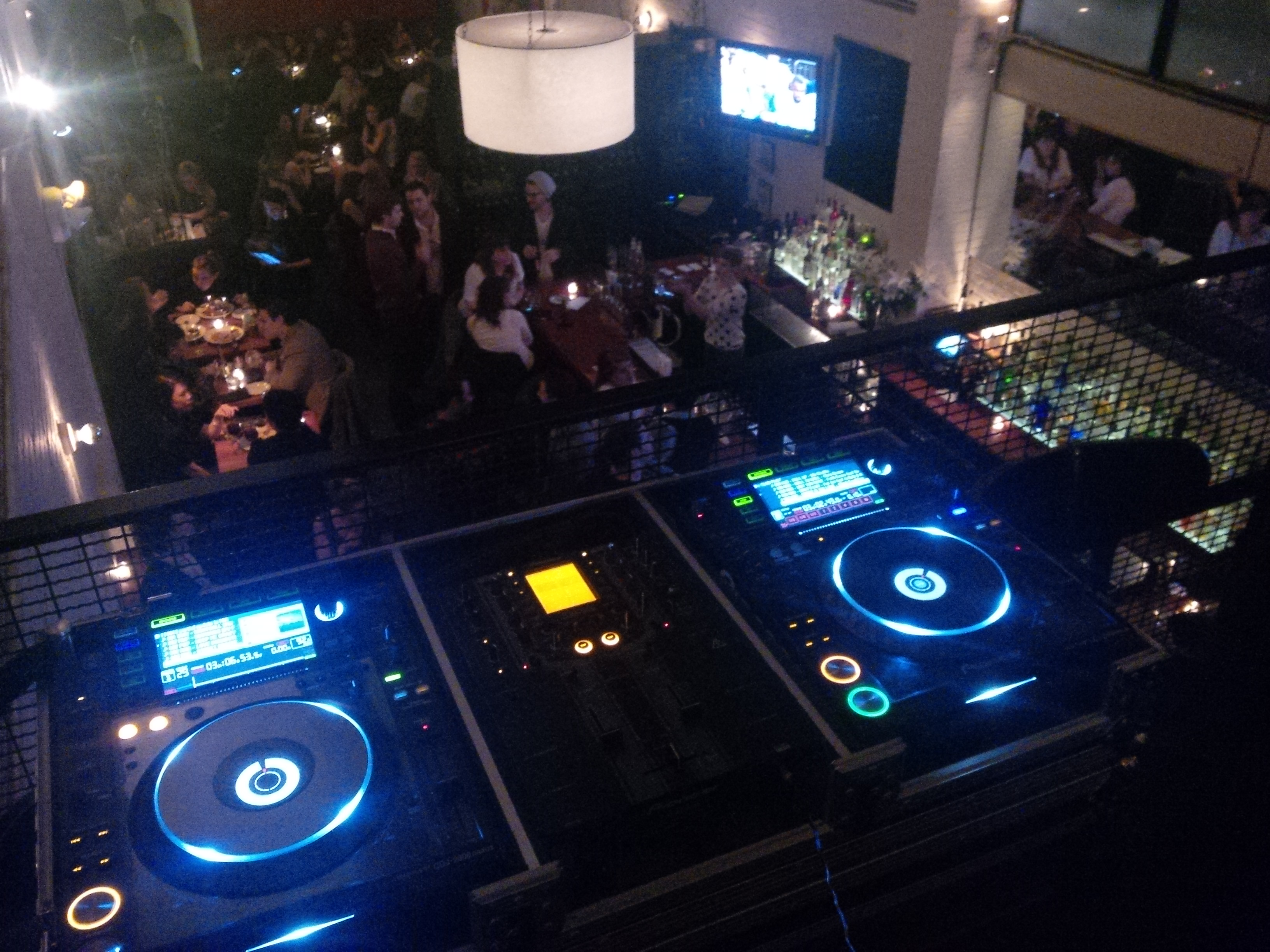 Essex, NYC DJ set-up