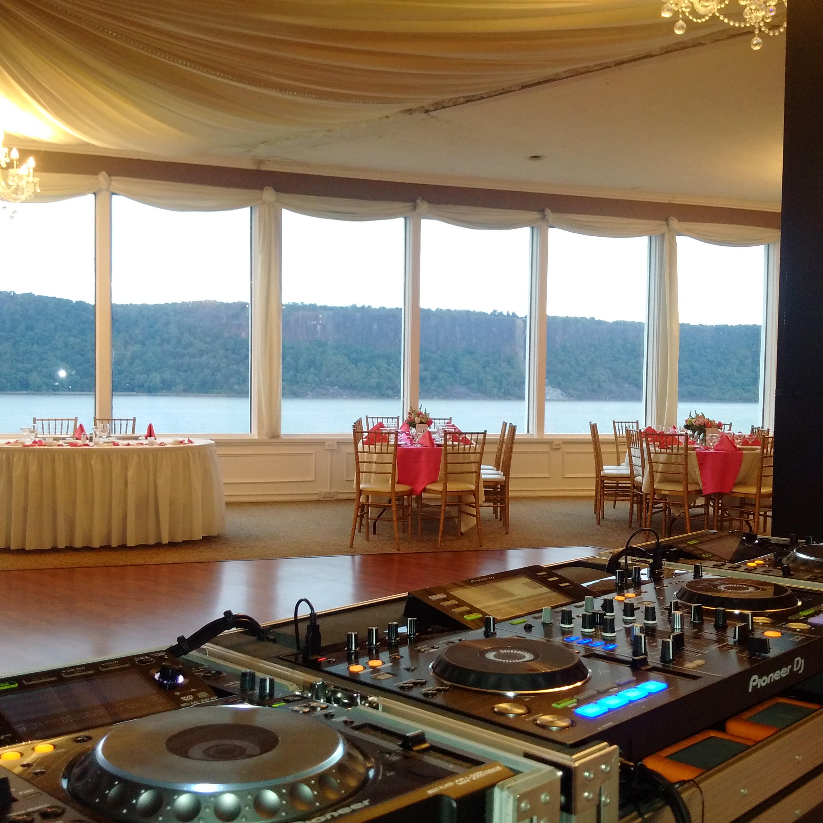 Hudson River wedding, New York