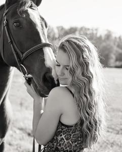 Delphine-McCracken-Photography-Senior-Po