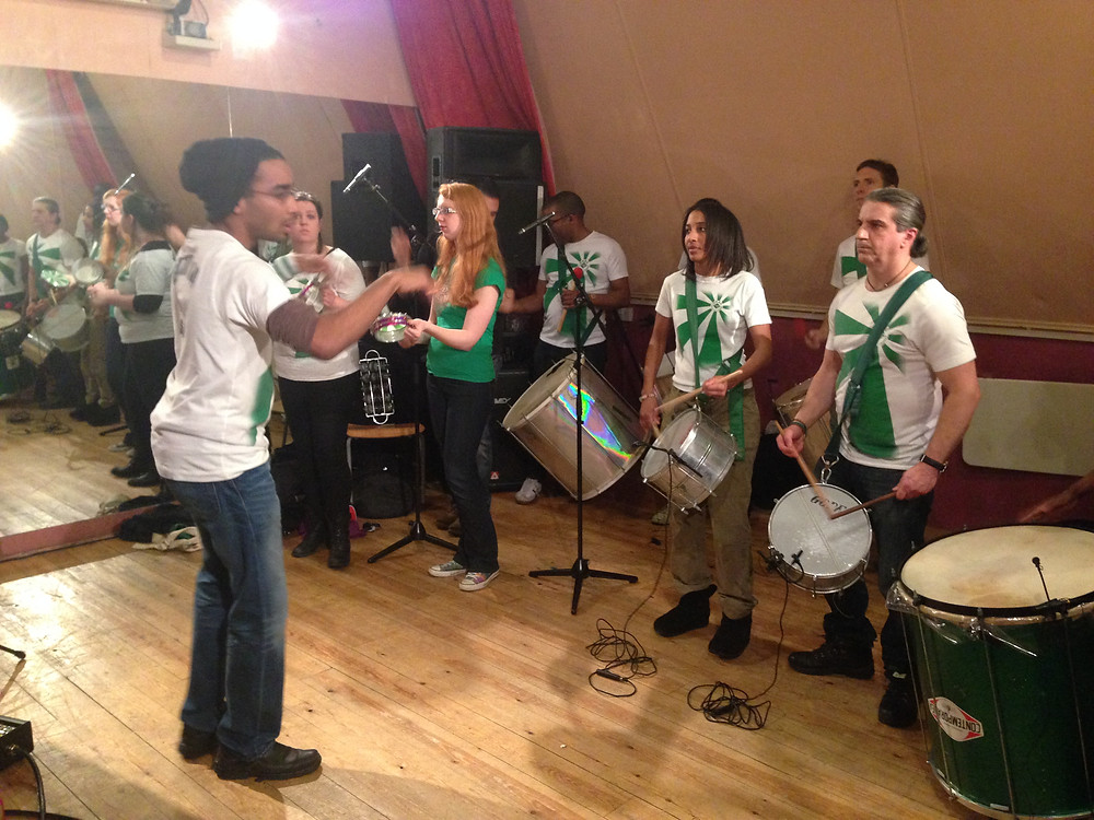 Rehearsing the track with the bateria