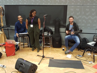 On Loose Ends Saturday Radio 4 with Zara McFarlane Band