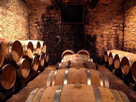Wijntechniek: hoe beïnvloeden eiken vaten de wijnaroma's?