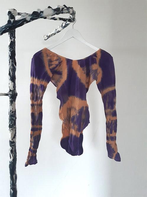 purple brown, M