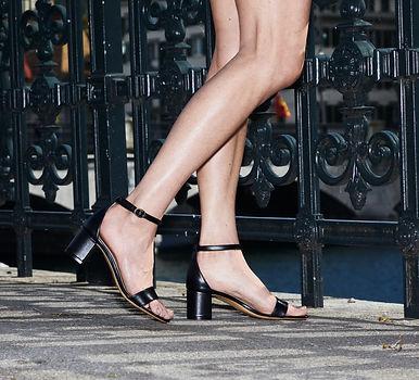 SASHAY vegan sexy shoes PARD Block Sandale Apfelleder schwarz Stadthausquai Zurich close u...ted.jpg