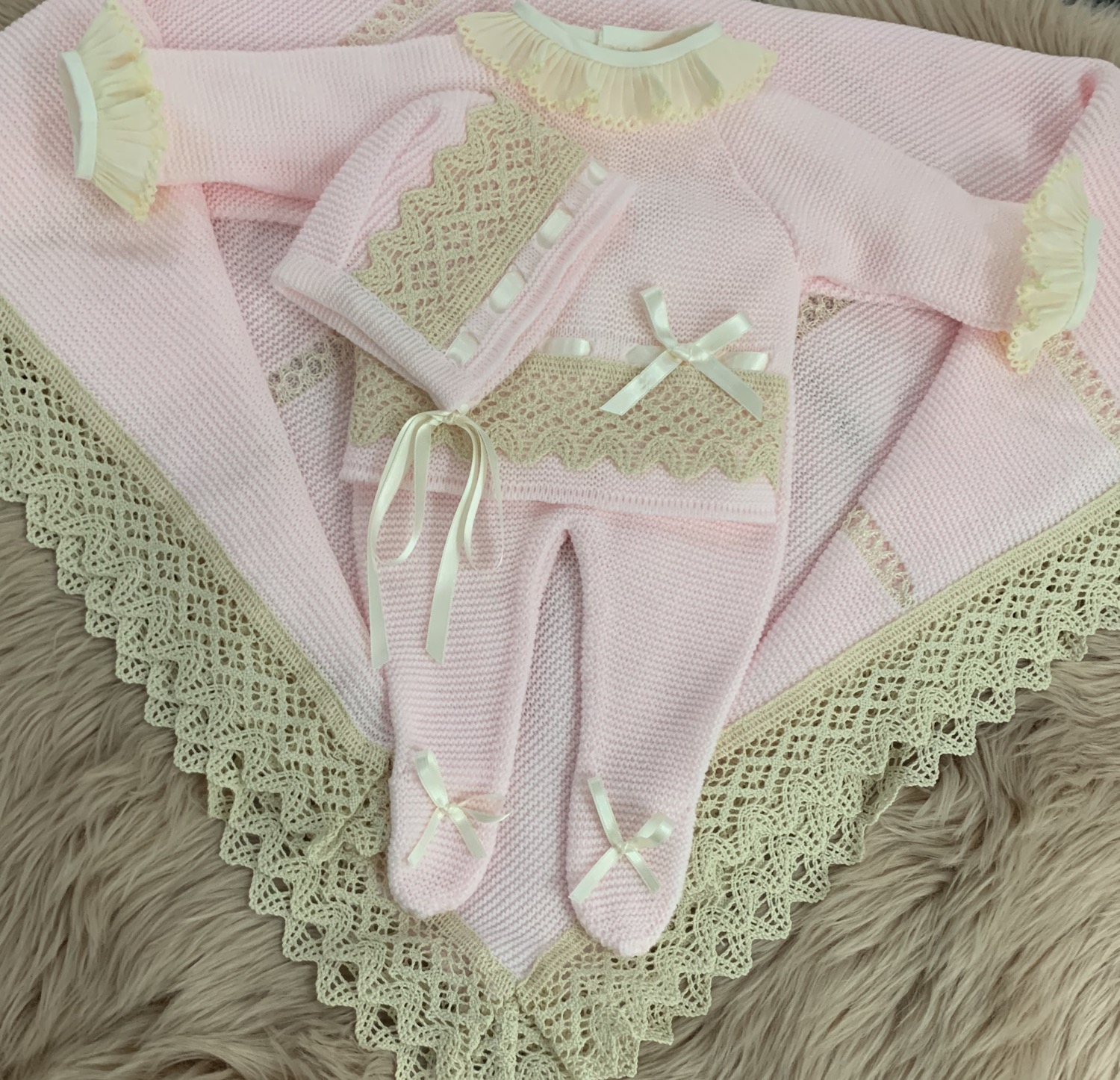 PINK KNITTED THREE PIECE SET- BAMBINO COLLECTION