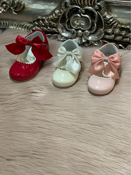 KRISTY PATENT LEATHER BOW SHOES