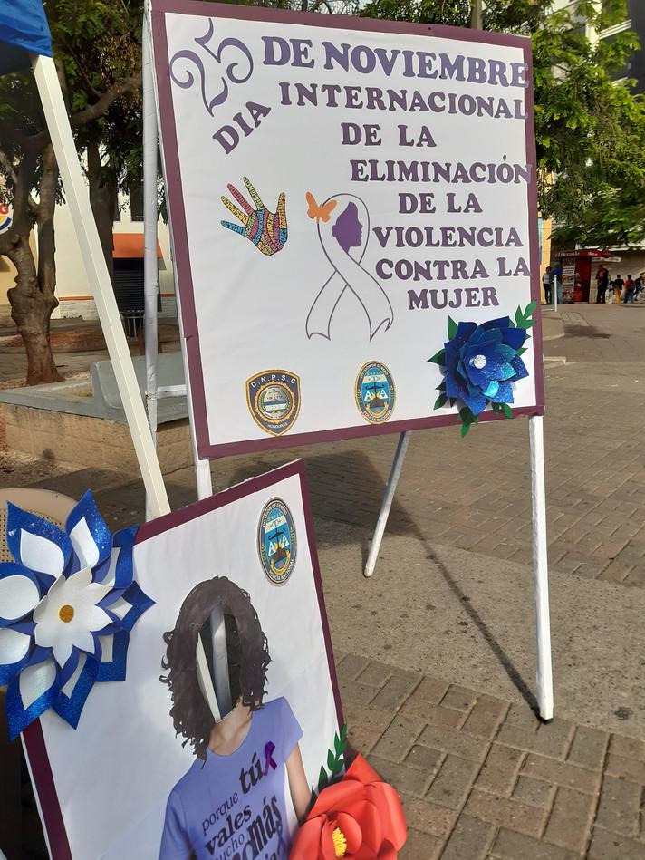 En vísperas de la celebración del Día de la No Violencia en Contra de La Mujer organizaciones defens