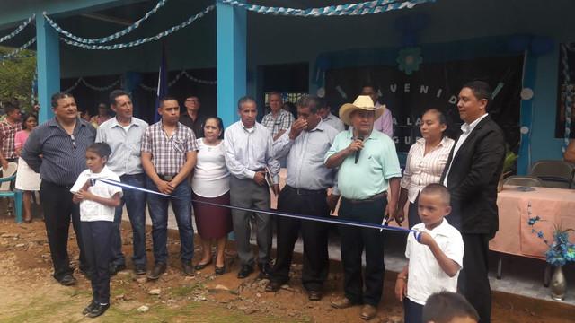 Inauguran edificio donde funciona Centro Básico Escolar German Díaz