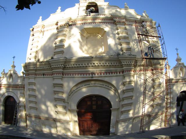 Repintan templo católico de Sabanagrande F.M. uno de los más imponentes a nivel nacional por su fach