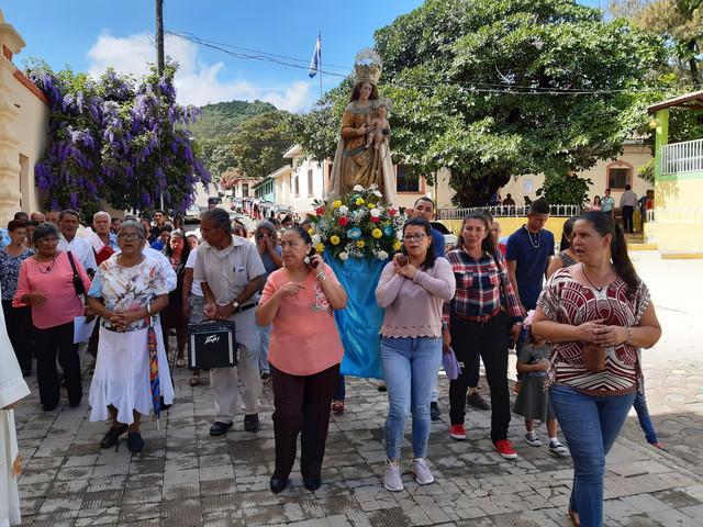 Por qué se considera  a la Virgen del Santo Rosario Patrona de Sabanagrande F.M.