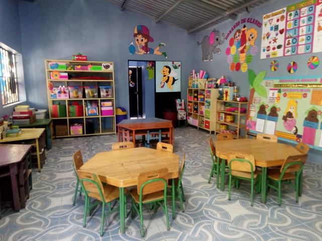 Autoridades municipales y comunitarias inauguran edificio escolar de pre-básica