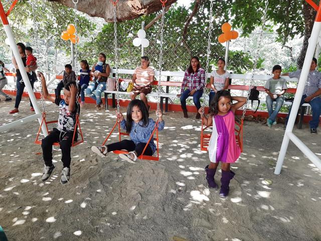 Inauguran Parque Infantil en San Nicolás Sabanagrande F.M.