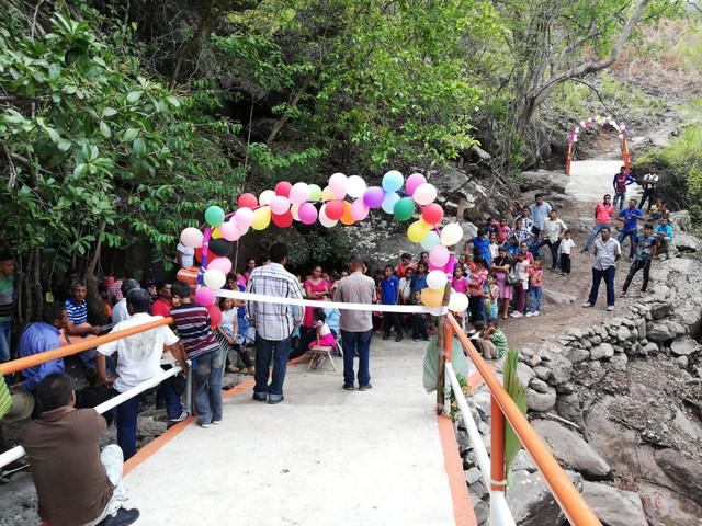 Inauguran importante obra comunitaria que beneficia a varios caseríos de Sabanagrande F.M.