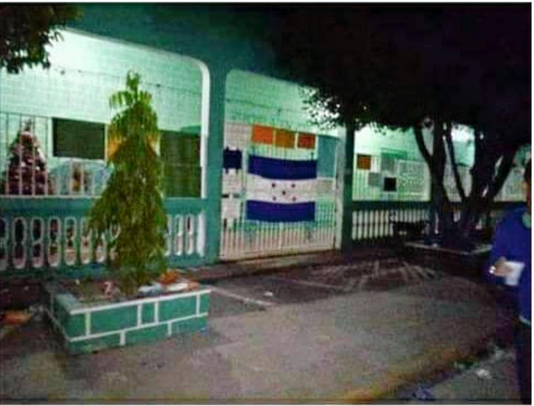 Edificio_de_la_muncipalidad_amaneció_tom