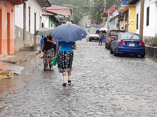 Depresión tropical que se origina en el pacífico centroamericano, dejaría lluvias durante este fin d