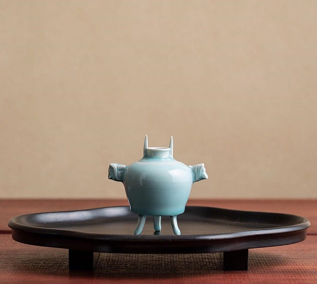 Kungyokudo Incense holder.jpg