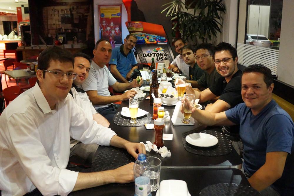Pilotos veteranos e estreantes se reúnem na Assembleia Geral de 2014. PKL Paulista Kart League