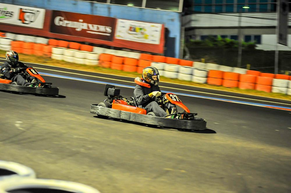 Na verdade, se você for prestar atenção, o protetor já tava querendo ir embora. PKL-E02 T-2017 Paulista Kart League PKL