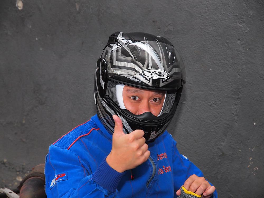 Emerson Inoguti no paddock de Aldeia da Serra. PKL Paulista Kart League
