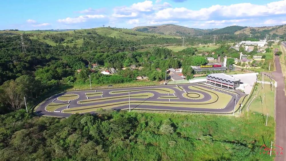 Kartódromo Itália de Valinhos visto da sacada da mansão Barbosa. Paulista Kart League PKL