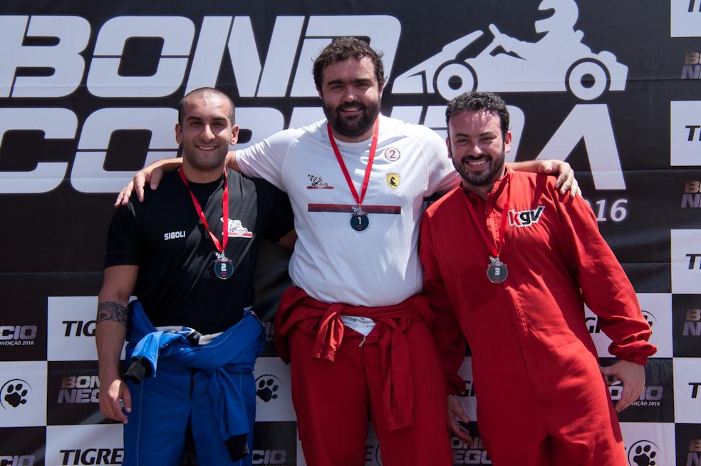 No pódio, Dante Arnaes, P01, Henrique Sigoli, P02, e Filipe Fernandes, P03. PKL-E01 T-2016. PKL Paulista Kart League