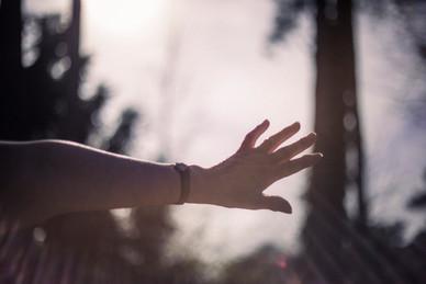Oma's hand