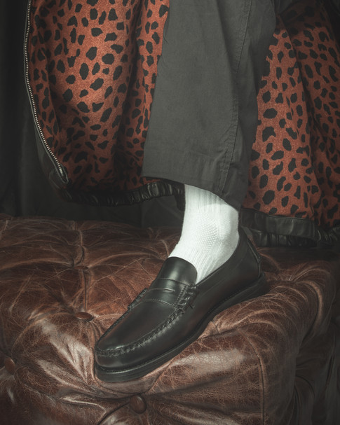 Sebago schoenen en lederen jas van Wacko Maria