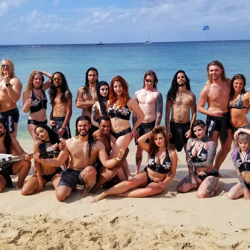 The 70000 Tons Team in Cozumel
