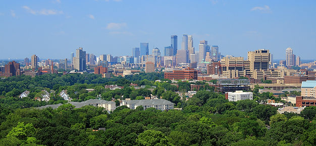 picture of Minneapolis Minnesota skylin taken from prospect park