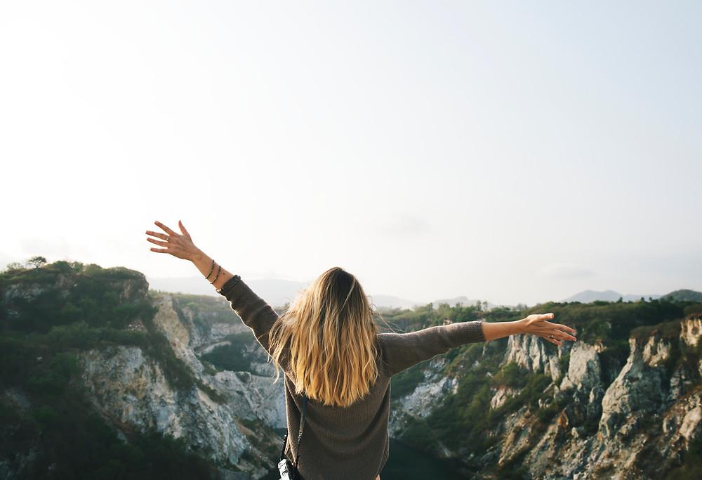 Personne libérer de ses peurs et croyances limitantes. Personne qui prend sa vie en main  et qui prend le chemin de la réussite