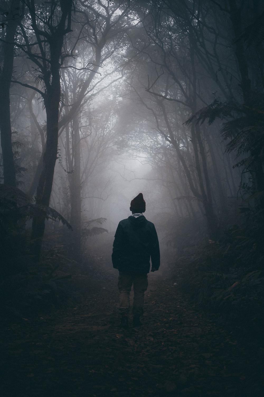 Personne qui malgré la peur continue d'avancer , il s'adapte à la situation