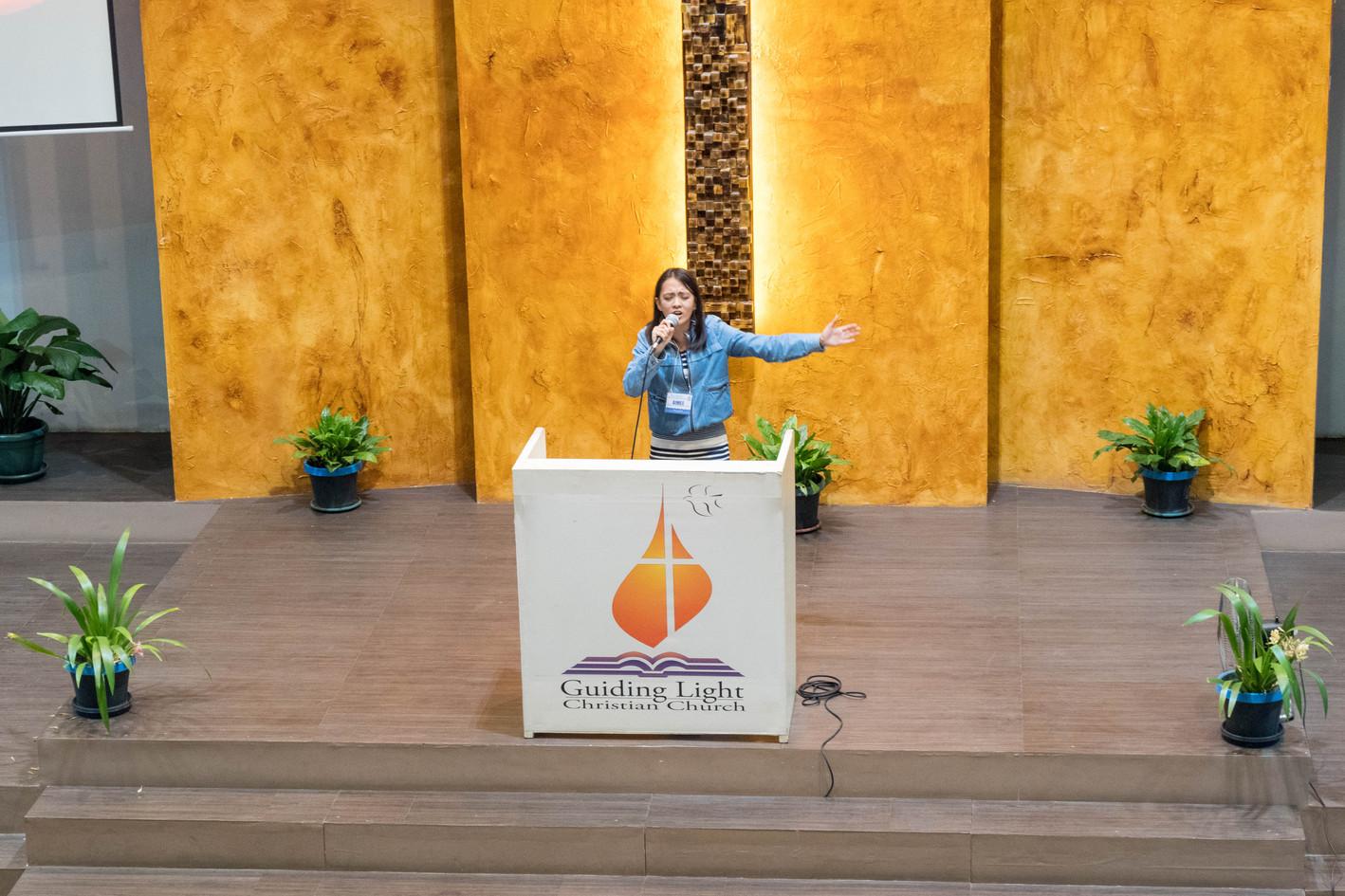 Aimee Villa Worship Leading before the last Plenary for Day 2 (2)