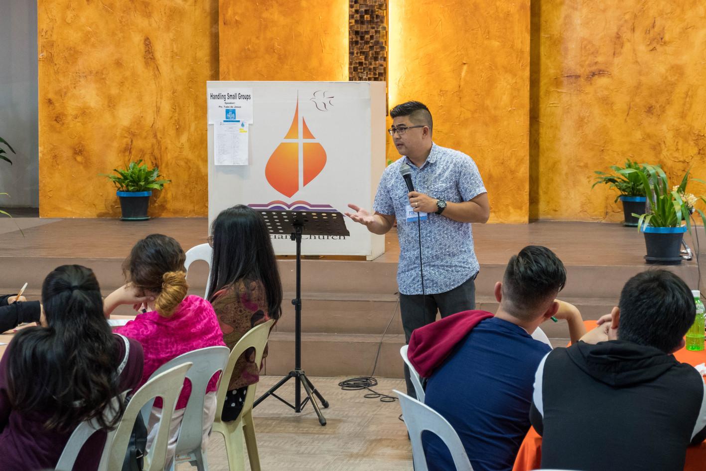 Bro. Tabs de Jesus on Handling Small Groups