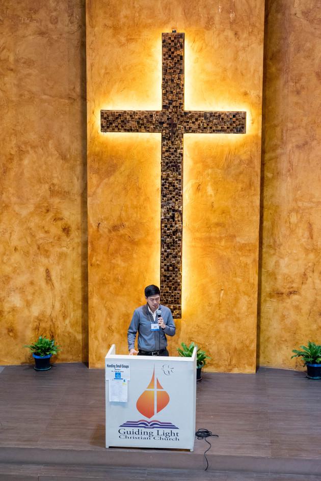 Ptr. Kito Leading Worship before the Third Plenary (3)