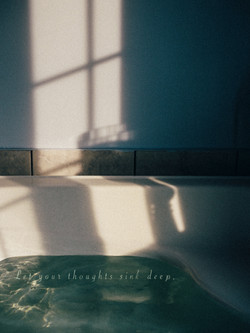 Bathtub with quotes