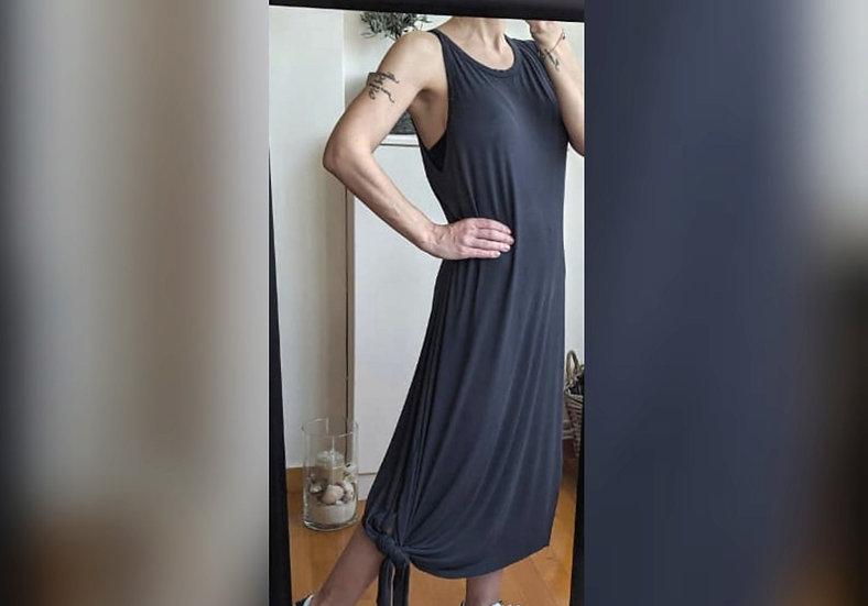 Αμάνικο ασύμμετρο φόρεμα