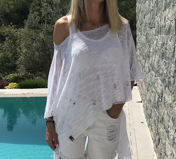 Ripped hole asymmetrical blouse