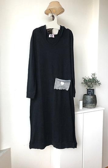 Μακρύ φόρεμα με κουκούλα