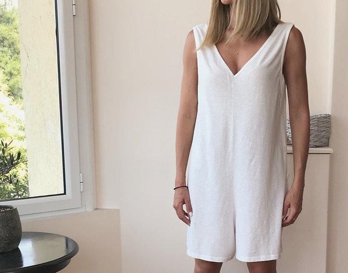 Ολόσωμη κοντή φόρμα με πίσω τσέπες
