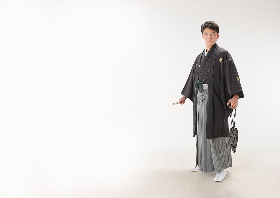男 袴 成人.jpg