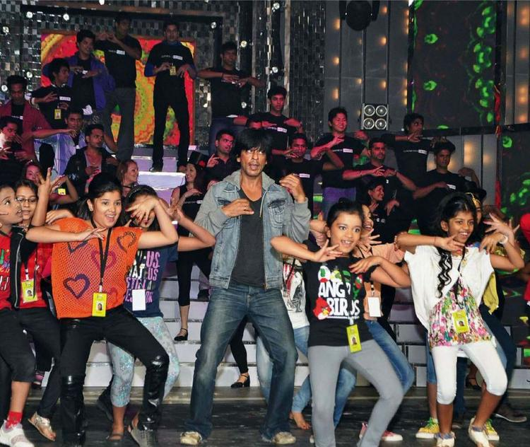 SRK Performed in idea filmfare award