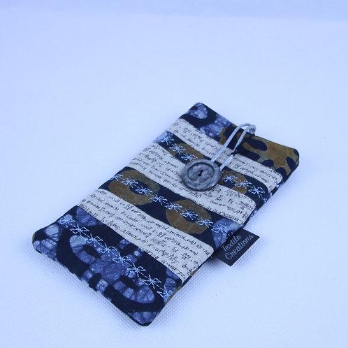 Glasses/phone case