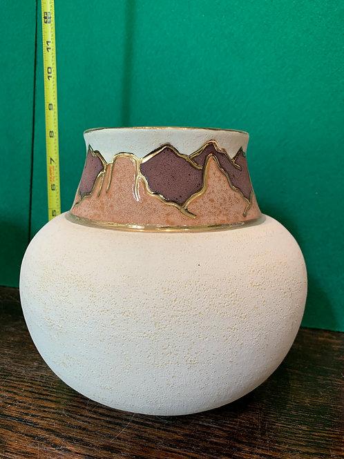 Gold Trimmed Ola Pot