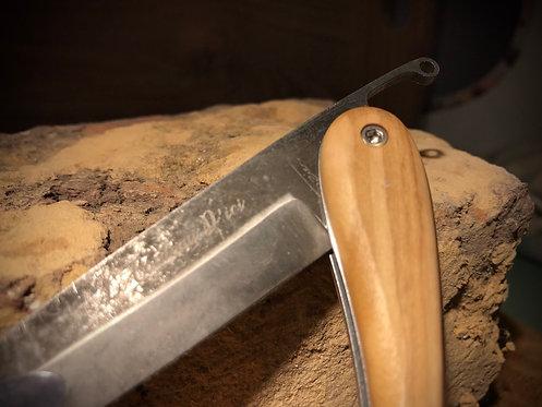 Le Couteau d'ici en olivier