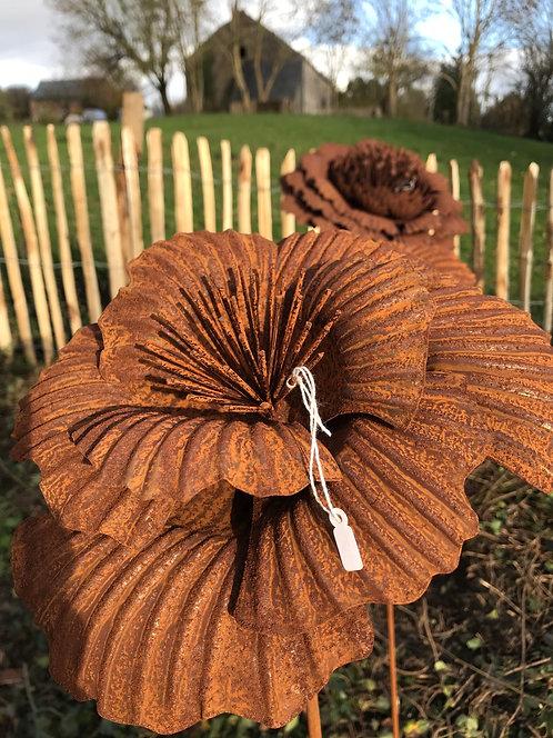 Fleur en métal I