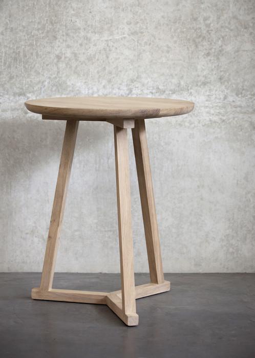 Table basse en chêne Tripod