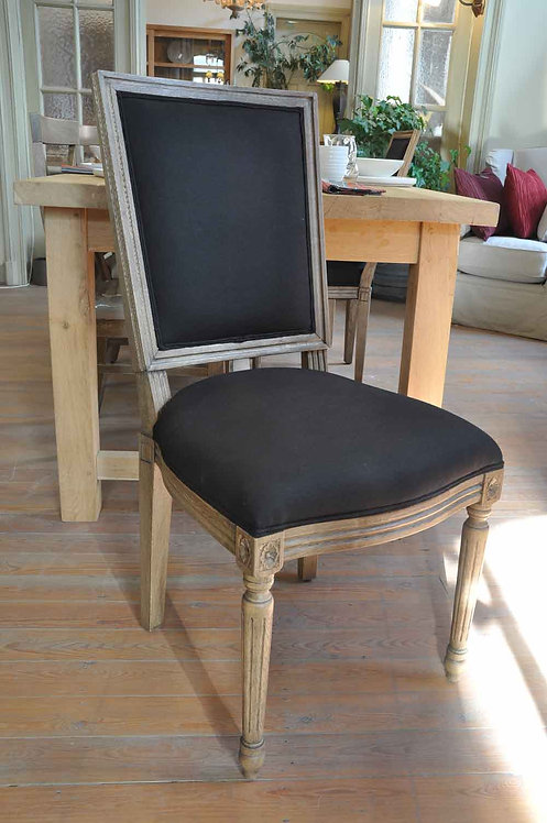 Deux chaises en chêne noire